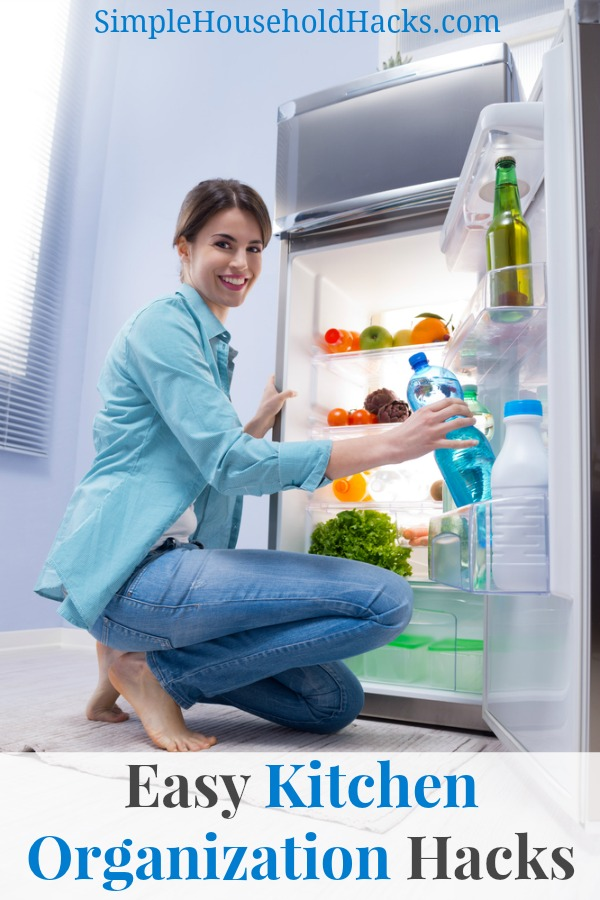 Easy refrigerator cleaning hack to keep the refrigerator organized.
