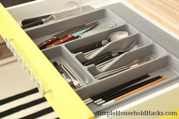 Use drawer dividers to keep your kitchen drawers organized